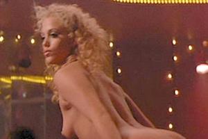 Films gratuits de elizabeth berkley nude