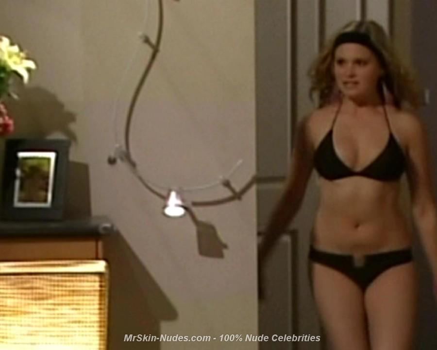 Eliza Taylor Nude