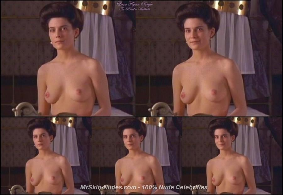 Busty fuko topless gifs